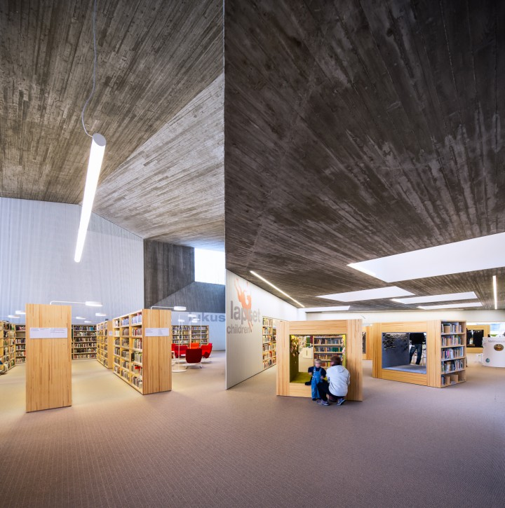 Adult section (left) and children's section, Seinäjoki City Library Apila