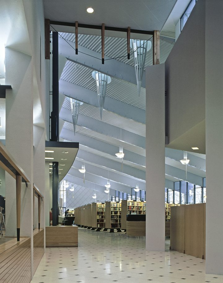 Library hall, Kuhmo Town Library