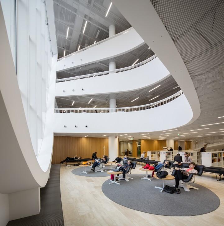 Reading area, Helsinki University Main Library Kaisa