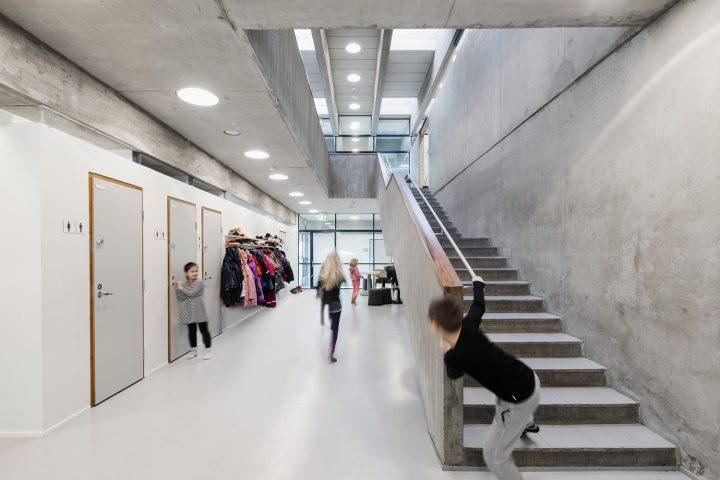 Ground floor corridor, Roihuvuori School
