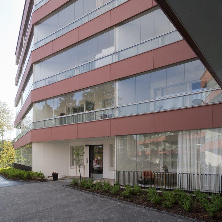Glazed balconies on courtyard side, Heka Koirasaarentie 36 Affordable Housing