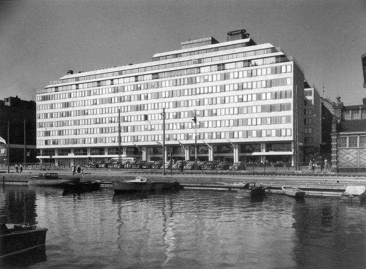 1950s, Hotel Palace
