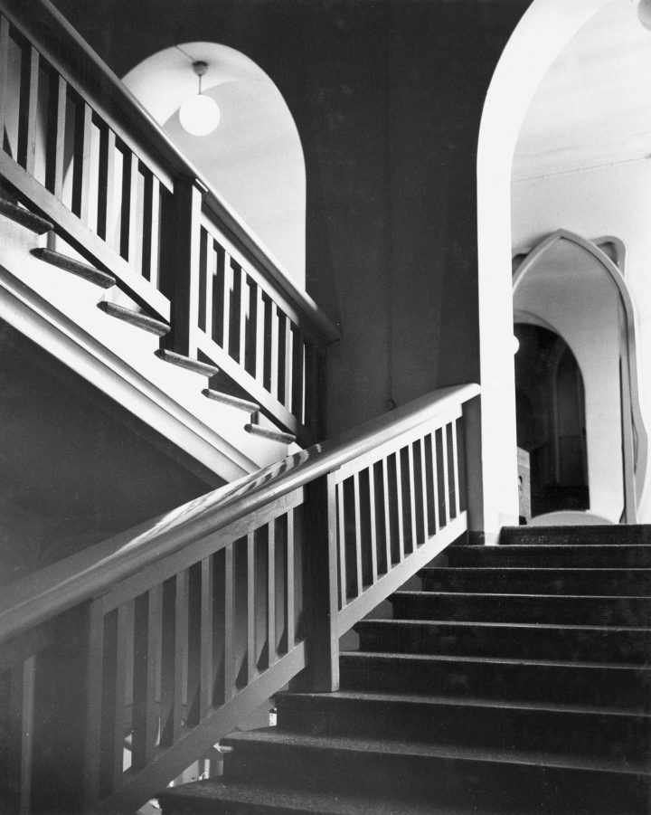 Main staircase, The State Hotel