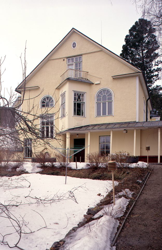 Southwest elevation, Wivi Lönn's Villa