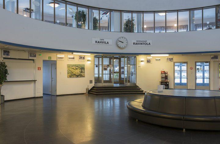 Entrance hall, Malmi Airport