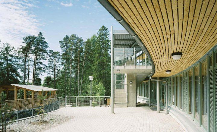 Courtyard elevation, Aurinkolahti School