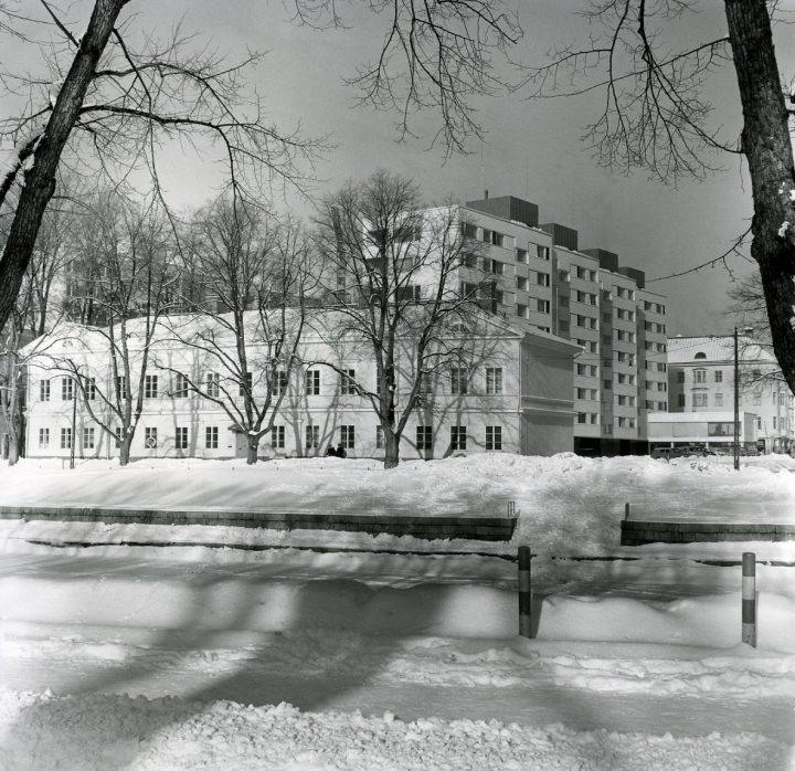 View from the river Aura in the 1960s, Carenia & Linnankatu 8 Housing