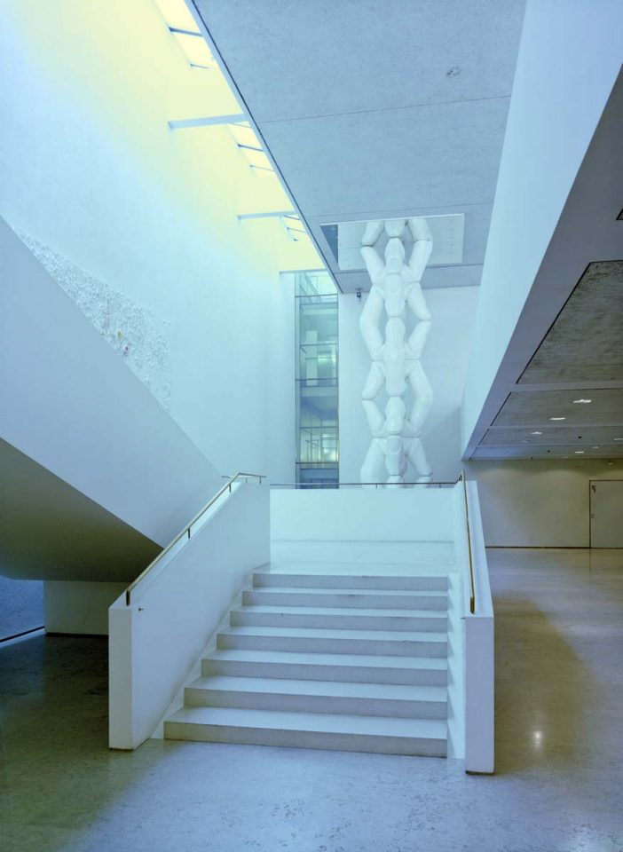 Main staircase by Aarno Ruusuvuori, Helsinki City Hall