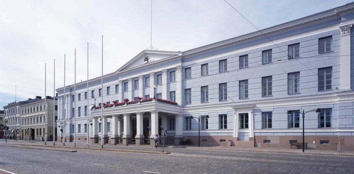Façade of former Hotel Seurahuone by C. L. Engel, Helsinki City Hall