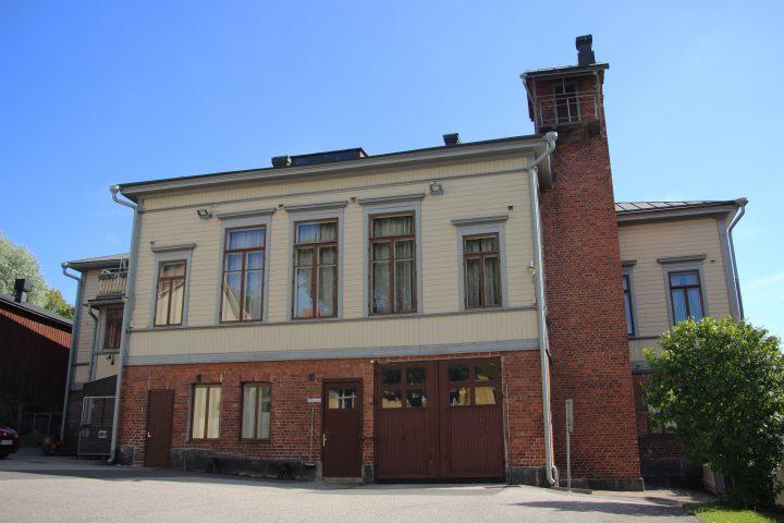 The courtyard façade, Porvoo Voluntary Fire Brigade House