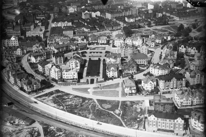 Aerial view from south in 1925, Eira Villa District