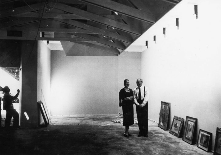 Elissa and Alvar Aalto in the pavilion in 1956, Aalto Pavilion