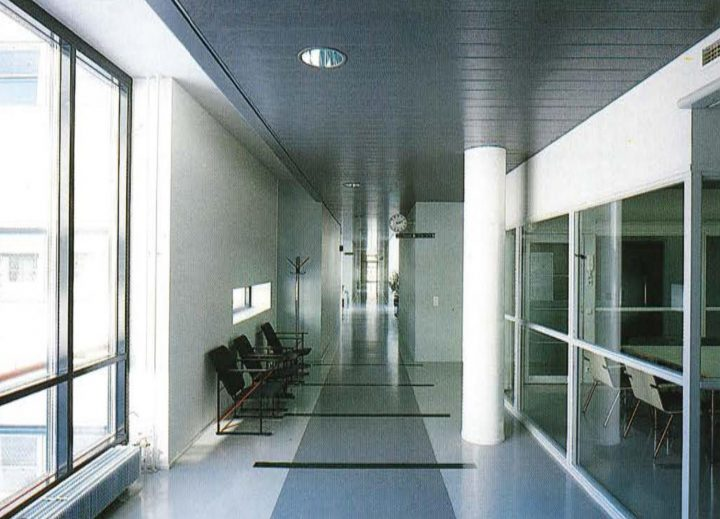 Longitudinal main corridor, Government Office Building