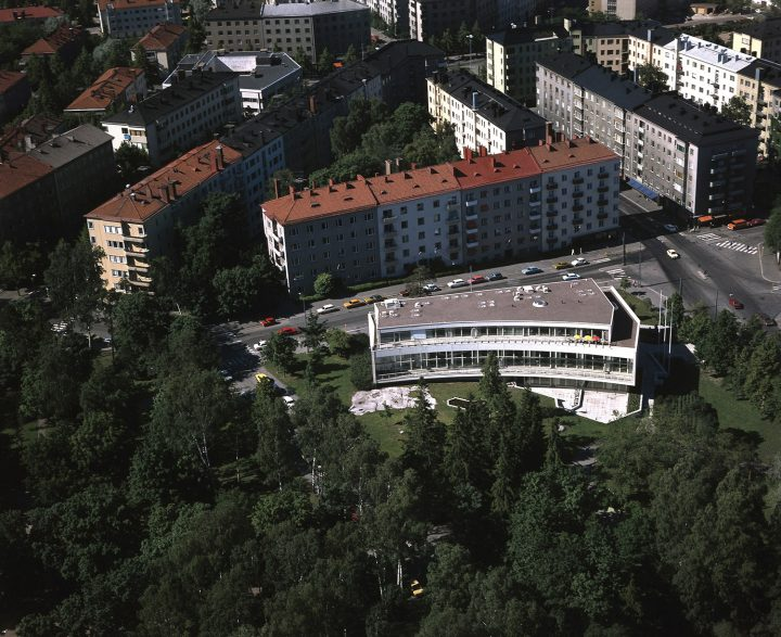 Aerial view in 1976, Töölö Library