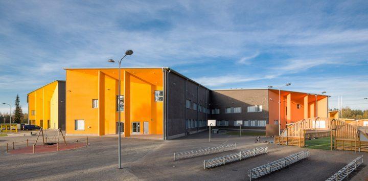 The façade, Huhtasuo School Campus