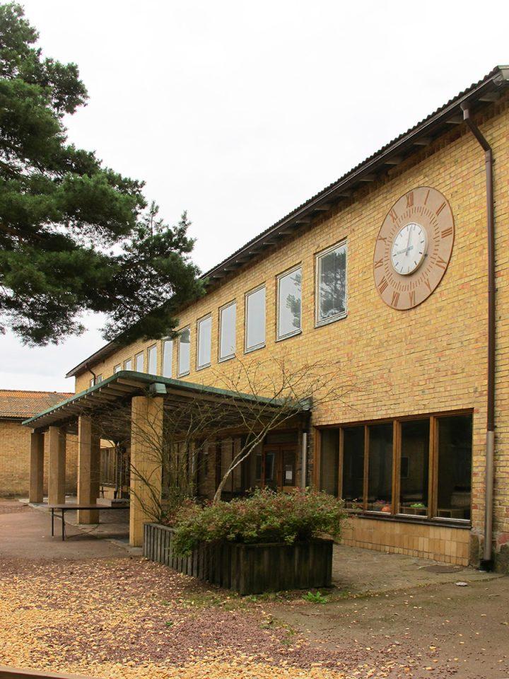 Yard side, Mariehamn Övernäs Primary School