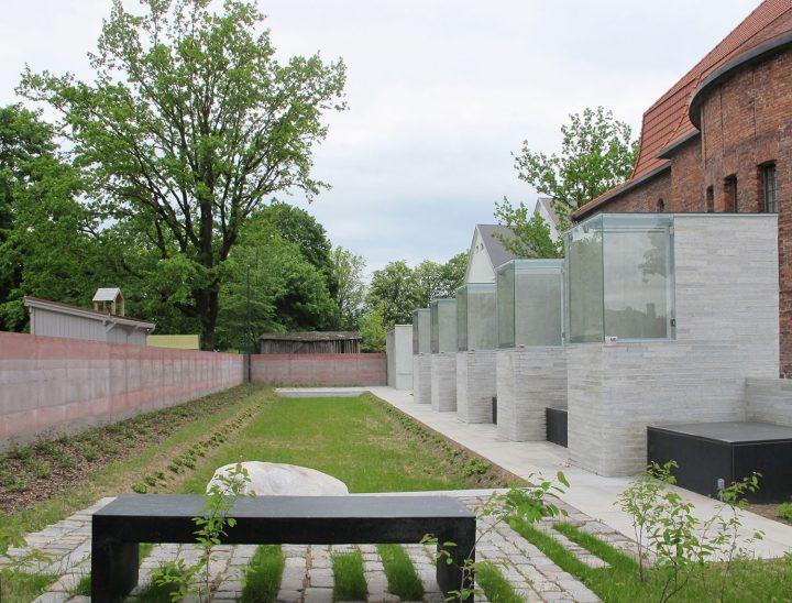 Memorial garden, St Paul's Church