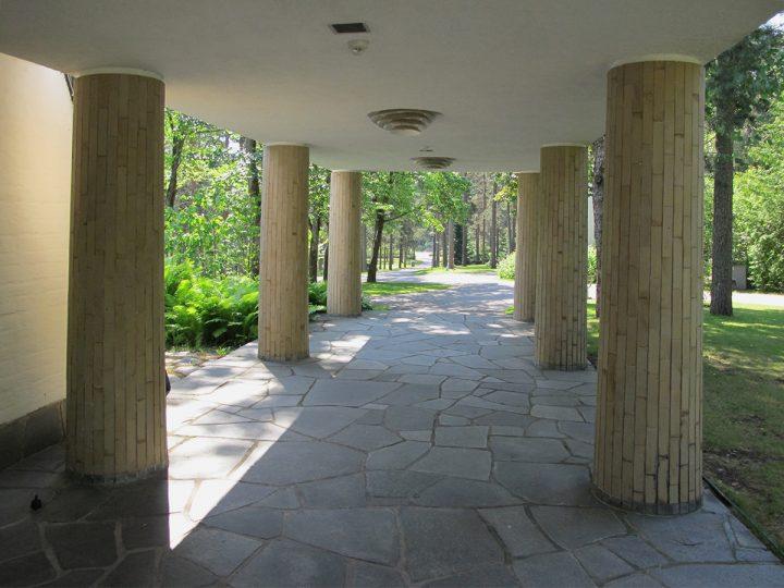 Entrance colonnade, Metsola Funerary Chapel
