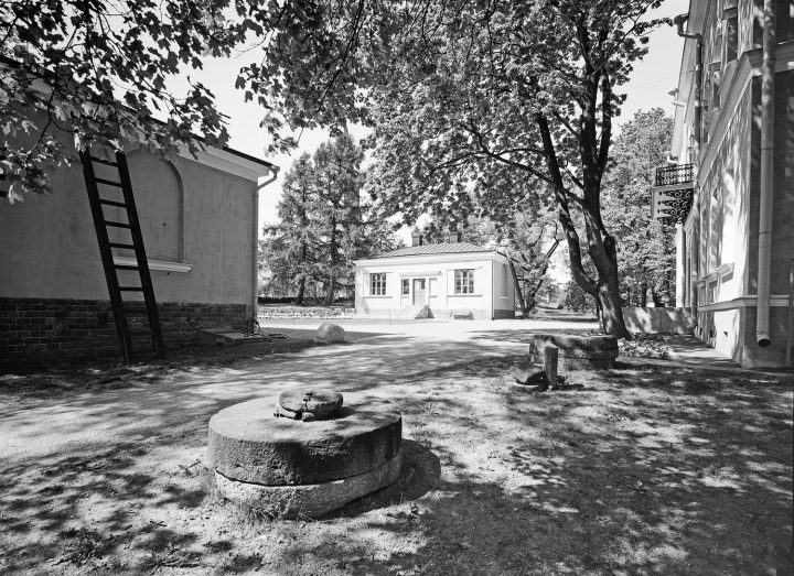 The courtyard, Villa Hakasalmi