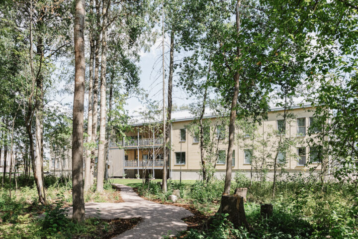 Aurinkolinna House