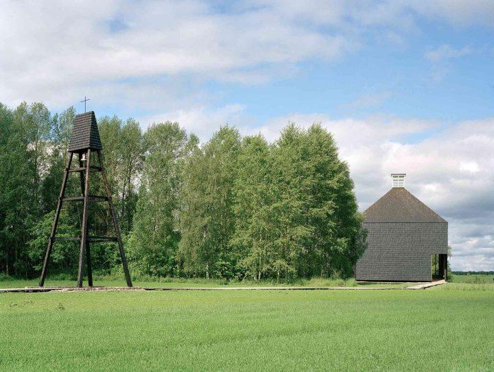 Bell tower on the left, Kärsämäki Shingle Church