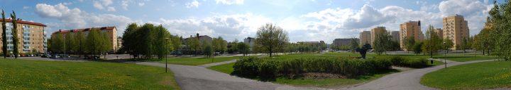 Kaleva Church park, on the left Sammonkatu, on the right Teisko towers, Kaleva District