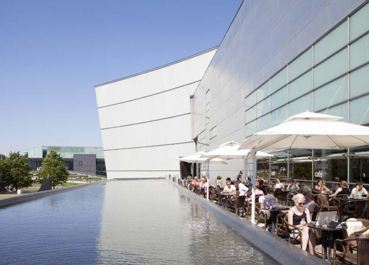 West façade and water basin, Museum of Contemporary Art Kiasma