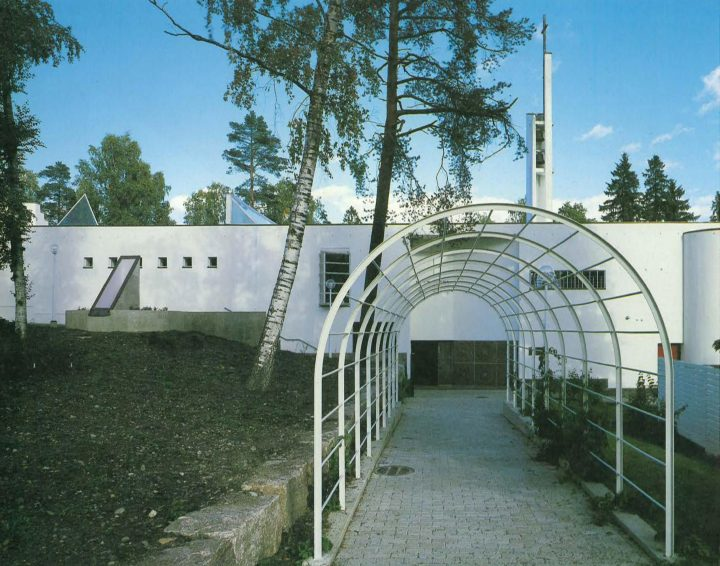 Entrance elevation, Kauniainen Church