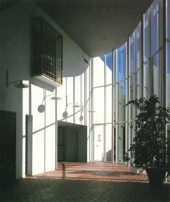 Entrance hall, Kauniainen Church