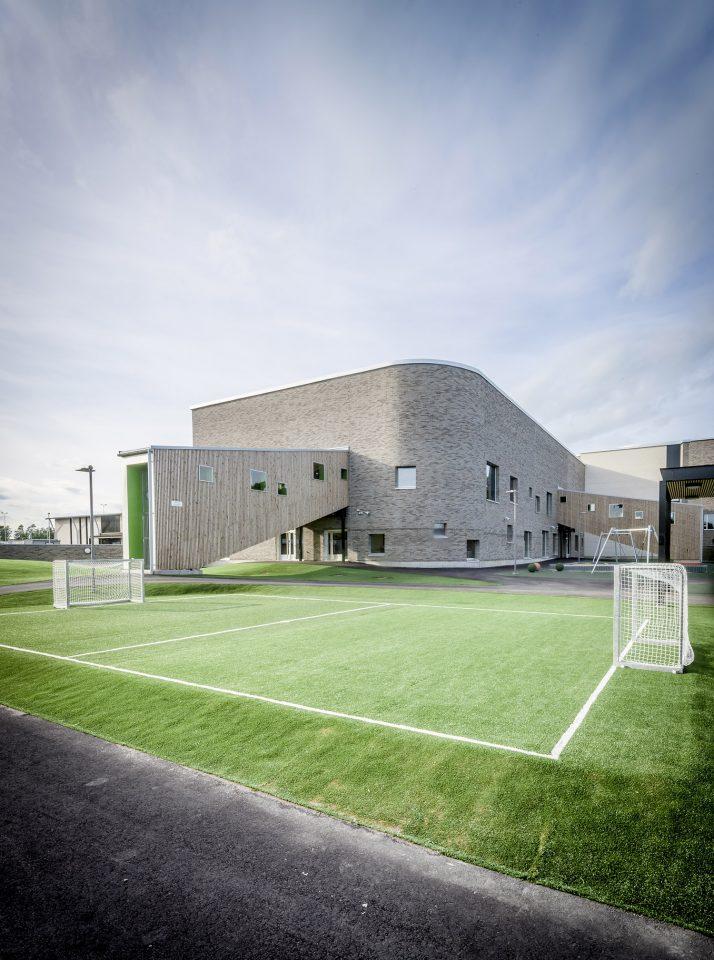 The façade, Lehtikangas School and Community Centre