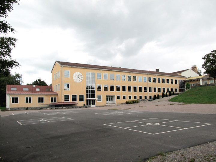 West wing and schoolyard, Malm Primary School