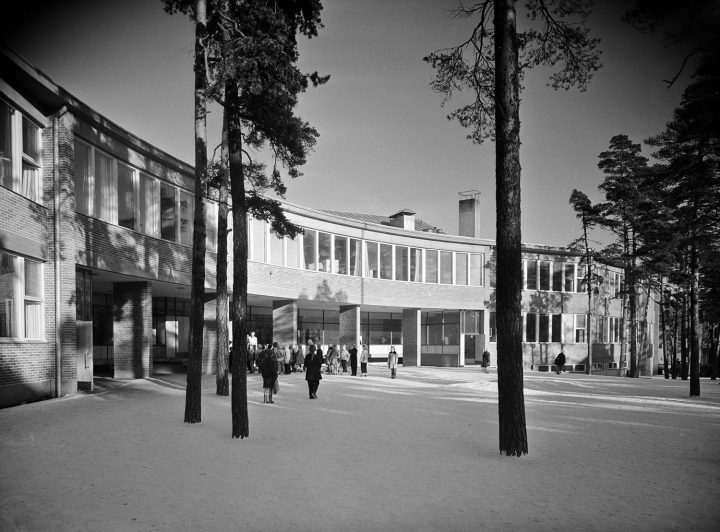 Meilahti Primary School photographed right after its completion, Meilahti Primary School