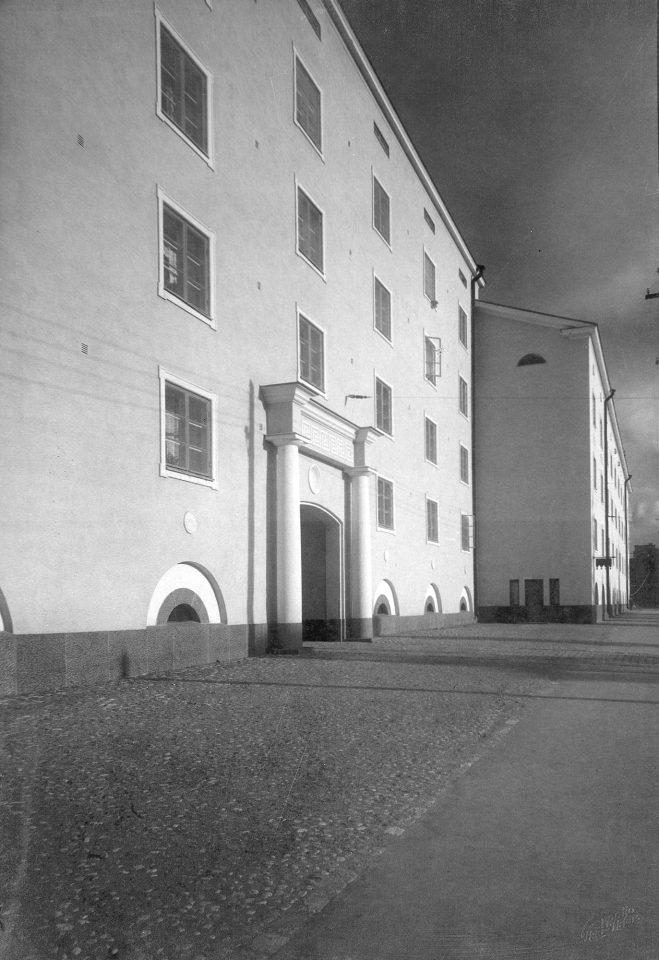 Street façade, Mäkelänkatu Street 37-43 Apartment Building
