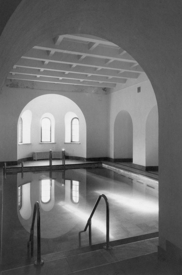 Indoor swimming pool, Vanaja Mansion