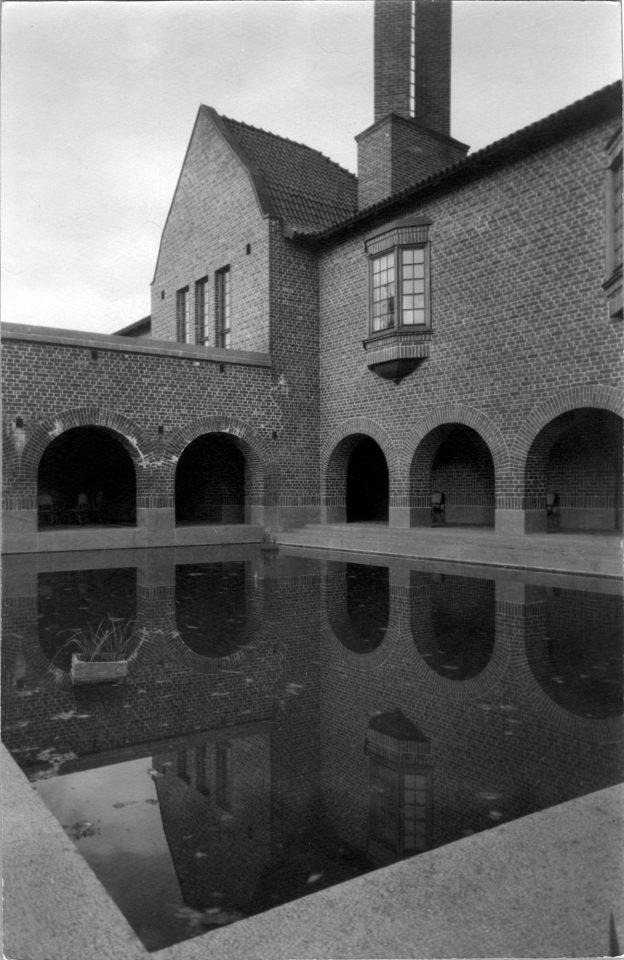 Courtyard , Vanaja Mansion