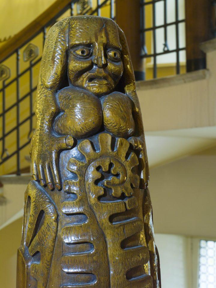 A wooden sculpture by Hilda Flodin, Pohjola Insurance Company