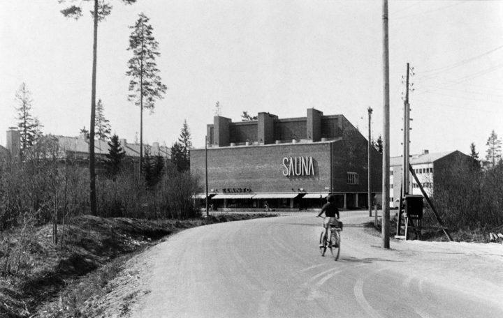 Metsäpurontie street view in 1953, Sahanmäki Residential Area