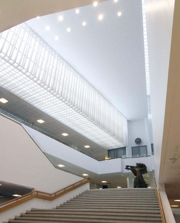 Foyer, Sampola