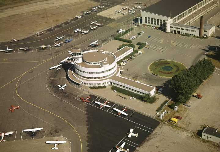 Aerial view from the West in 1972, Malmi Airport