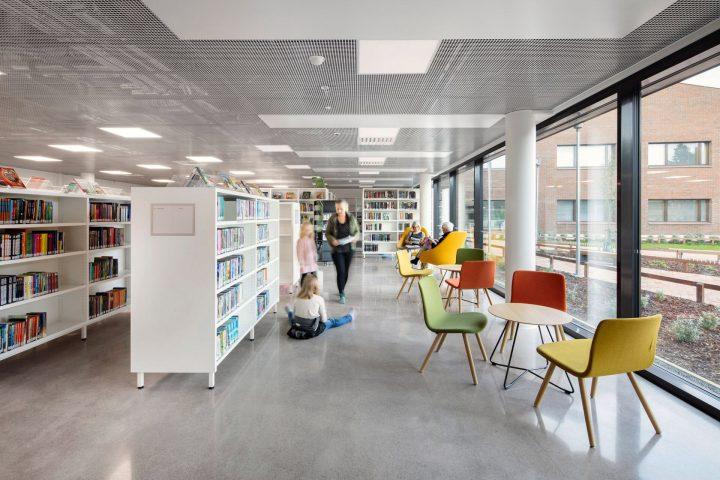 The library, Syvälahti School and Community Centre