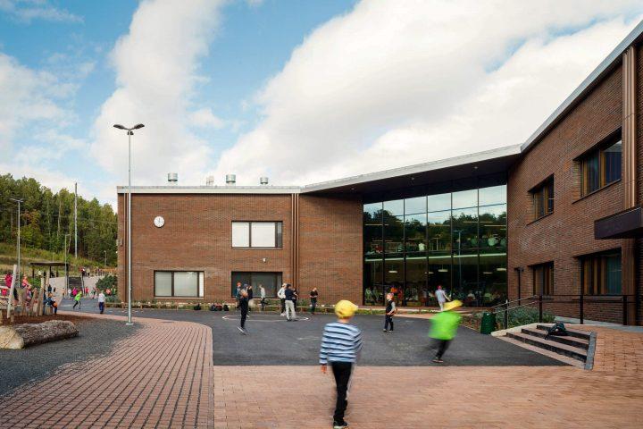 The playground, Syvälahti School and Community Centre