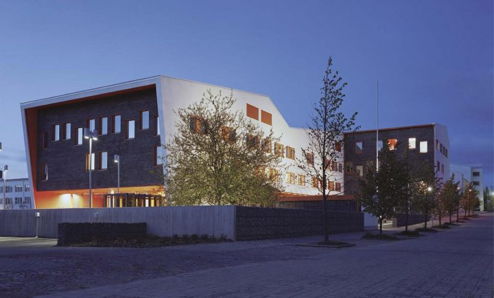View from the south, Tervaväylä School, Lohipato Unit