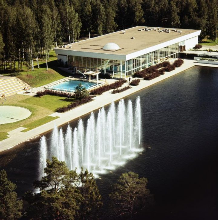 Aerial view from the west, Tapiola Swimming Hall