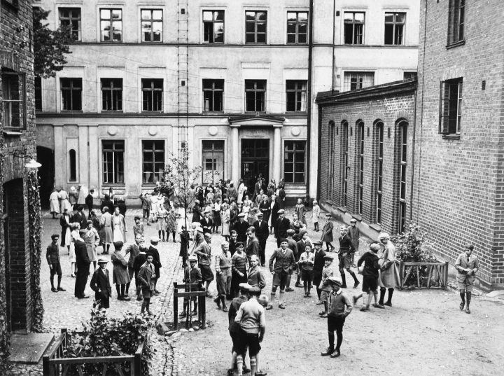 View from the courtyard in the 1930s, House of Learned Societies