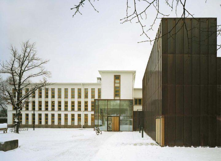 Main entrance, Vaasa City Library