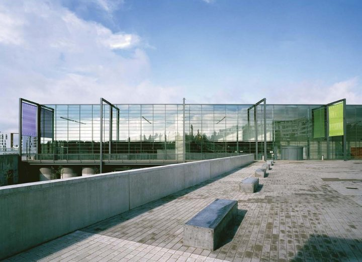 Glass façade of the main entrance and vestibule, Vuotalo Cultural Centre