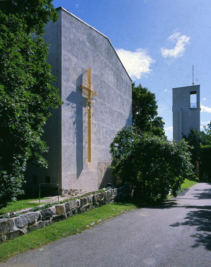 West gable and belfry, Resurrection Chapel