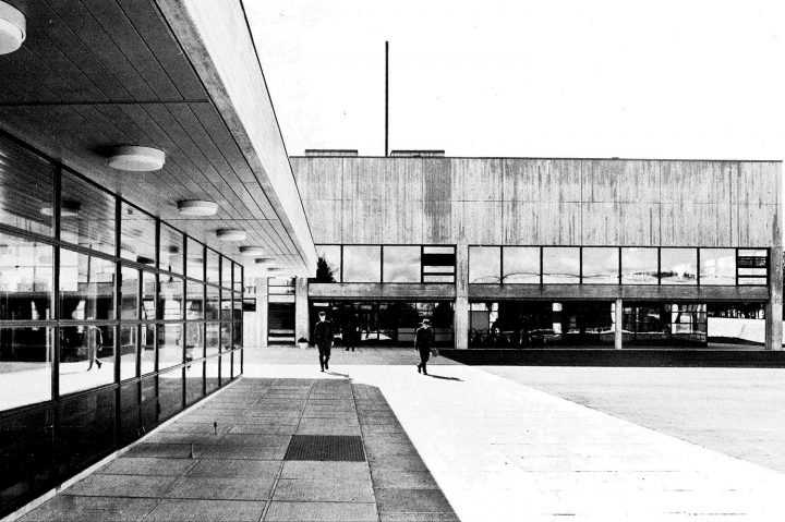 View towards soldier's home's main entrance, Vekaranjärvi Garrison Centre