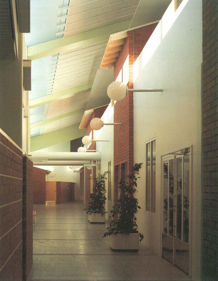 View of the arcade, Puustelli School and Multipurpose Centre