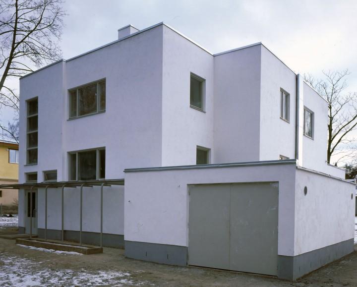 Street façade in 2000, Villa Tammekann